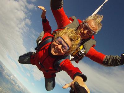 Saut parachute gap tallard bapt me parachutisme hautes for Saut en parachute salon de provence