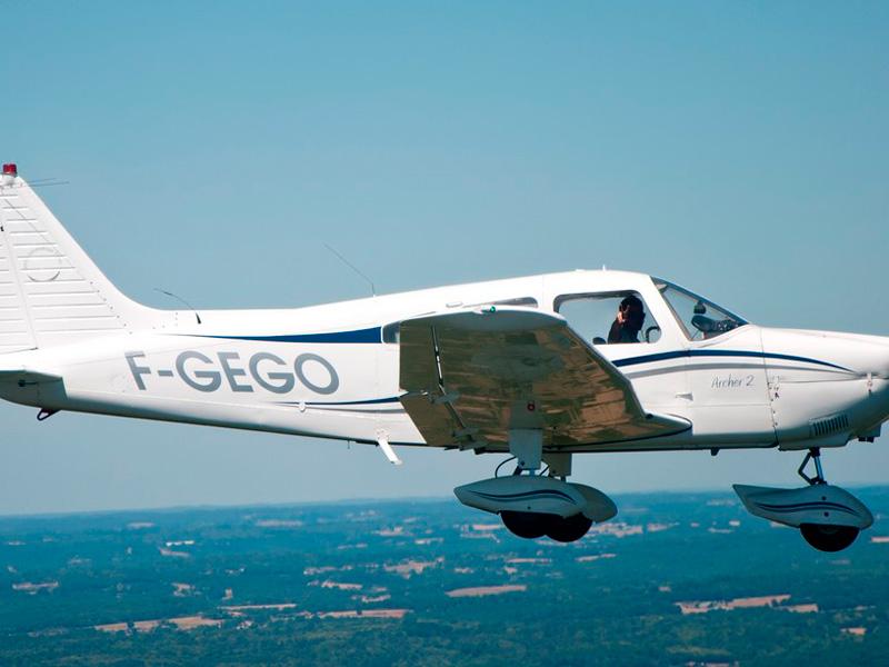initiation pilotage avion paris lognes 77 seine et marne. Black Bedroom Furniture Sets. Home Design Ideas