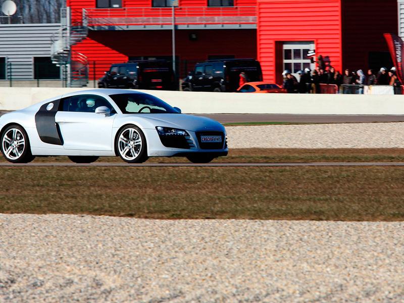 Stage pilotage audi r8 circuit de salon de provence paca 13 for Circuit de salon de provence