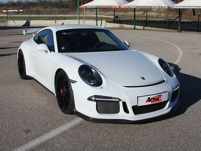 stage pilotage sur porsche 997 lyon circuit st laurent de m re 69. Black Bedroom Furniture Sets. Home Design Ideas
