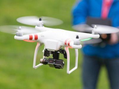 Initiation pilotage drone - Aéroport de Toussus-le-Noble près de Paris