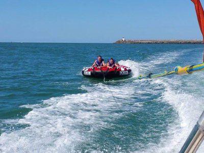 Bouée Tractée le long de la côte Basque