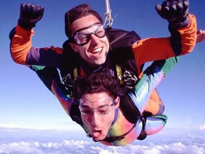 Saut parachute royan medis bapt me parachutisme poitou for Saut en parachute salon de provence