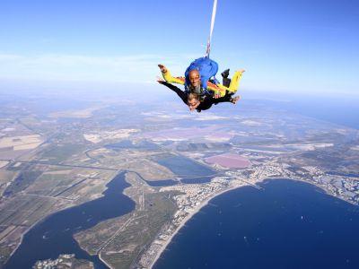 Saut en parachute au luc var 83 r servez en ligne for Saut en parachute salon de provence