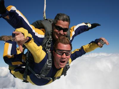 Saut parachute la fl che bapt me parachutisme sarthe 72 for Saut en parachute salon de provence