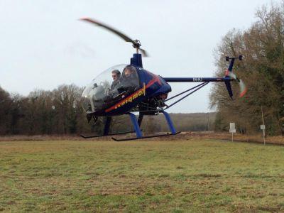 Baptême hélicoptère ULM - Survol d'Etampes