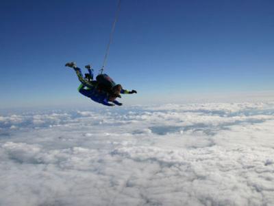 Saut parachute la baule bapt me parachutisme pays de la for Saut en parachute salon de provence
