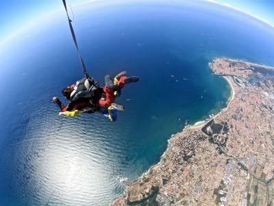 Saut parachute sables olonnes bapt me parachutisme vend e 85 for Saut en parachute salon de provence