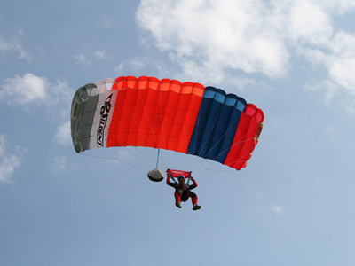 Saut parachute initiation pac bordeaux aquitaine gironde 33 for Saut en parachute salon de provence